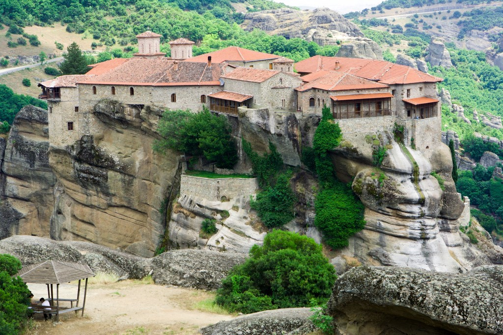 Meteora Halkidiki-Travel-Agency-Kolovos-Travel-Neos-Marmaras-001